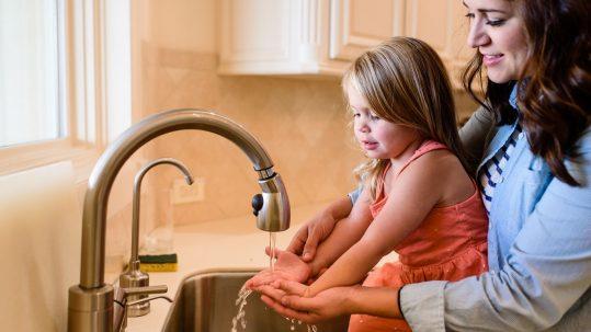 Top 7 Reasons to Use a Safe and Natural Handwash